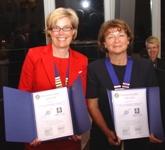 Dorothee Everding (Präsidentin 2008/2009 vom IWC Nürnberg - St. Lorenz) und Lisbeth Mebold (Präsidentin 2008/2009 vom IWC Liechtenstein-Rheintal) unterzeichneten die Partnerschaftsurkunden.